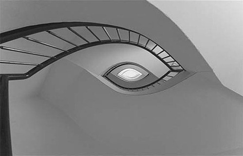 An-eye-shaped-staircase.